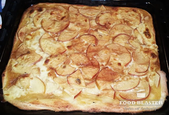 Apfelpizza mit Zimt und Vanille