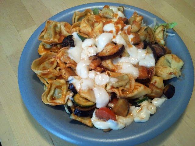 Tortellini mit Mozzarella verfeinern