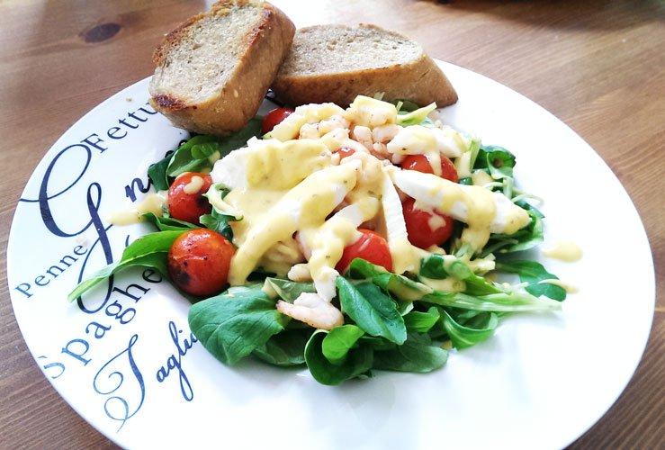 Leckerer Feldsalat mit Krabben