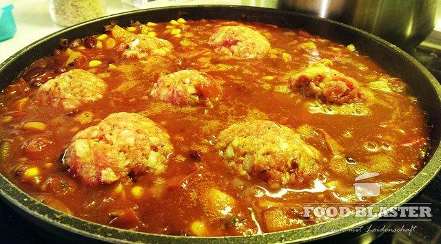 Mexikanische Soße mit Fleischbällchen