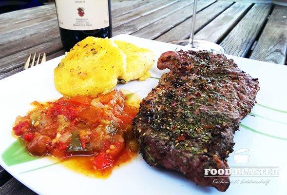 Grillfleisch und Polenta