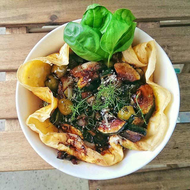 Eieromelett mit Asiagemüse und Sojasoße. #foodbloggers #cooking #omelette