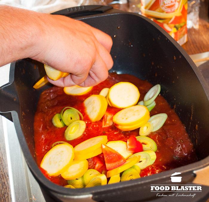 Gemüse und Tomatensoße