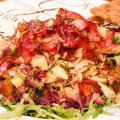 Rucolasalat mit Ingwerdressing und Hähnchen