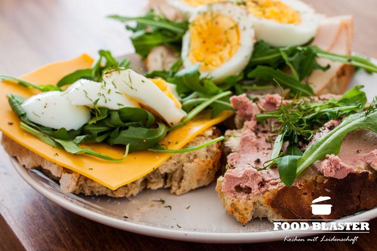 Leckeres Frühstück mit Dinkelbrot