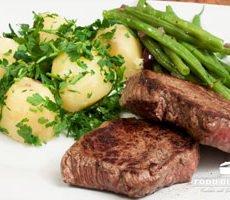 Pfeffersteak mit Kartoffeln und Bohnen Rezept